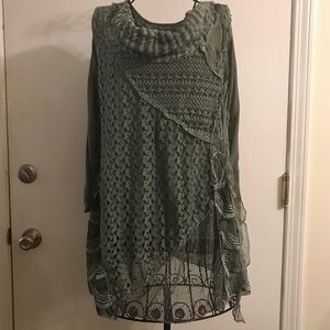 NWT Simply Couture sweater tunic